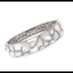 New Belle Etoile Sirena Mother of Pearl SS Bangle